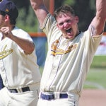 Graders walk off with 5-4 win over Mariners