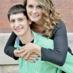 Perry and Hess to wed