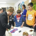 Columbus artist, Mark Bush, captivates Mount Gilead Middle School students' interest